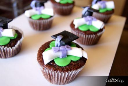 Pin Graduation Cupcake Decorations Cake on Pinterest