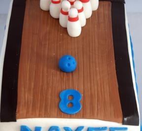 the Bowling Cake