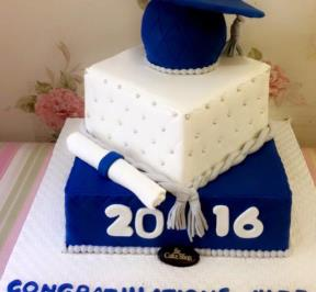 Graduation Cake Blue Theme