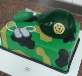 Army Tools Cake