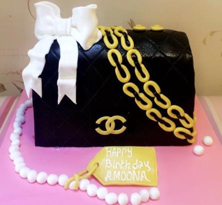 92ce9c4872d9 ... Black and Gold Chanel Bag Cake. Description