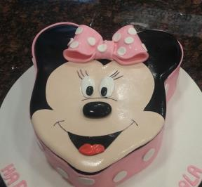 Minnie Mouse Cake ( 1 )