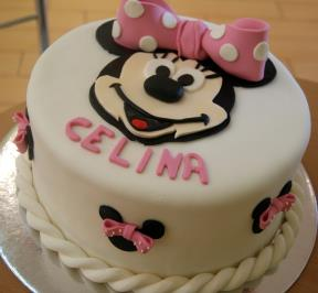 Minnie Mouse Cake ( 3 )