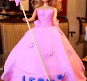 Barbie Dress Cake ( 2 )
