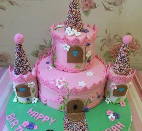 Princess Castle Cake ( 5 )