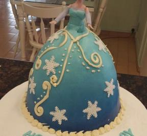 Frozen Dress Cake  ( 5 )