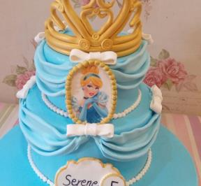 Frozen Themed 2 Tier Cake ( 11 )