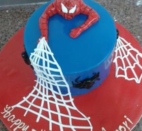 Spiderman Cake (1)