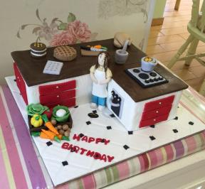 Mom in Kitchen Cake ( 5 )