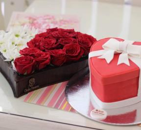 Valentine Cake and Flowers ( 2 )