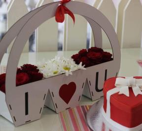 Valentine Cake and Flowers ( 3 )